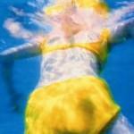 Schürle-meinen-Ozean-1996.-Instalación-de-audio-y-video-de-Pipilotti-Rist-fotograma.-Cortesía-de-la-artista-y-Hauser-Wirth.-Fundació-Joan-Miró